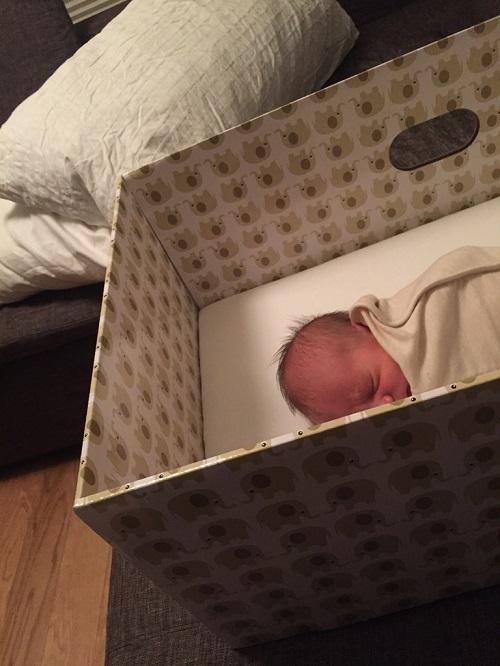 lit en carton bébé
