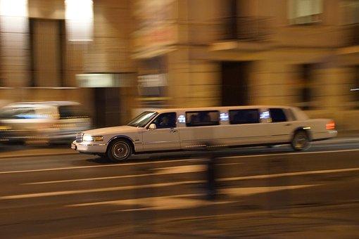 le transfert aéroport privé Mandelieu en limousine